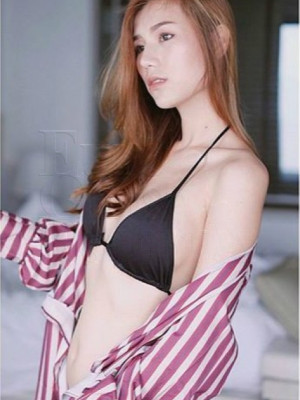 Girl Escort Joey & Call Girl in Damansara