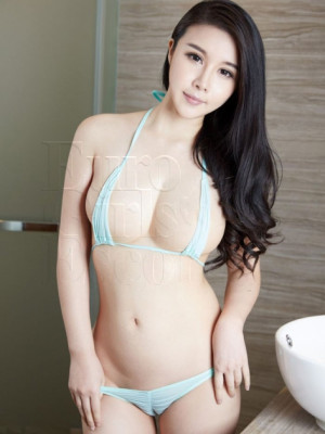 Girl Escort Gin & Call Girl in Damansara
